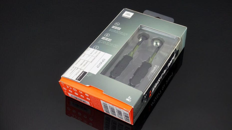 JBl TUNE 205BT package unboxing