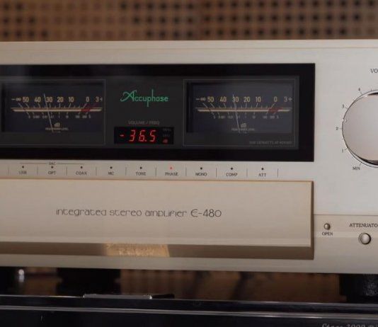 Accuphase E480 amplifier