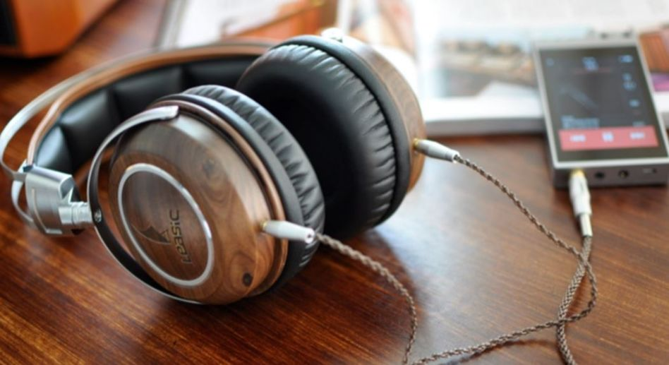 headphone with l and r channel